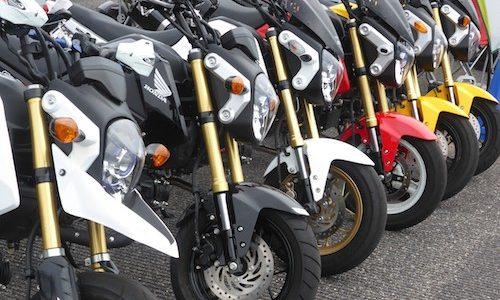「オートバイの練習会」西飛行場跡地復活編